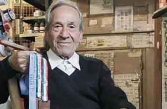 Τερμάτισε στον Ημιμαραθώνιο ο 90χρονος Στέλιος Πρασσάς