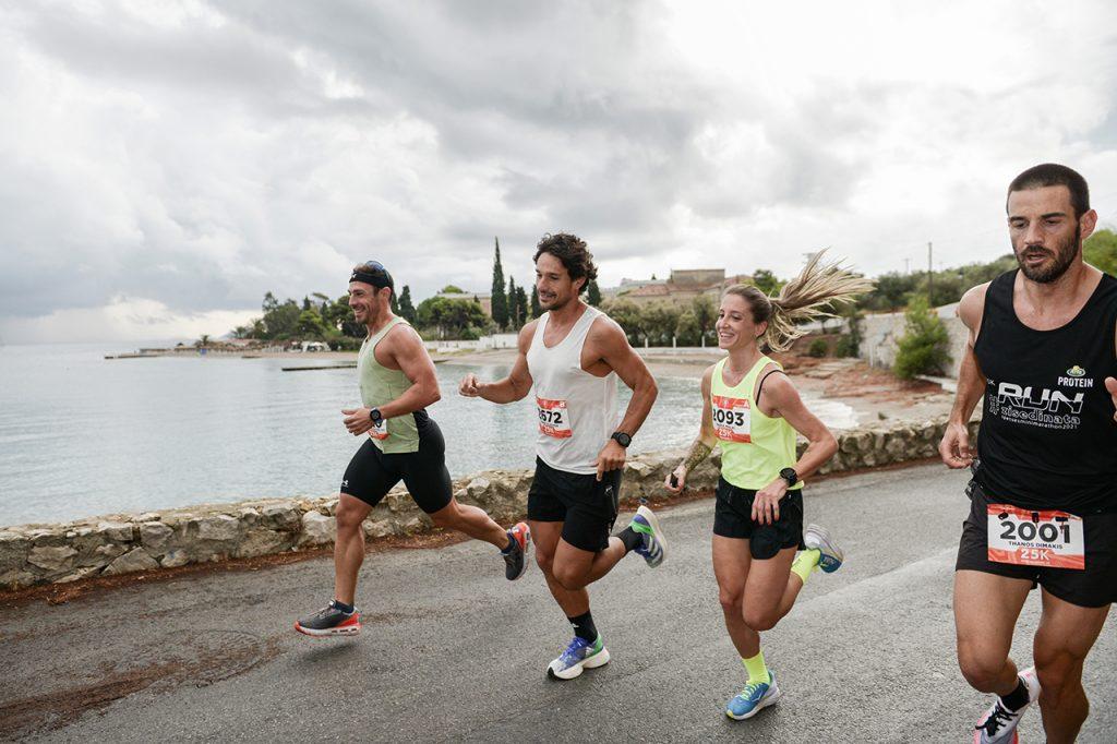 Γρηγόρης Σουβατζόγλου, Πάνος Βλάχος, Μαρία Μαλάι, Θάνος Καλάκος στον Spetses mini Marathon
